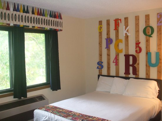 """Cold Spring, MN: The School Room - with 2 queen beds, we have """"schooled"""" ourselves in providing comfortable rooms"""