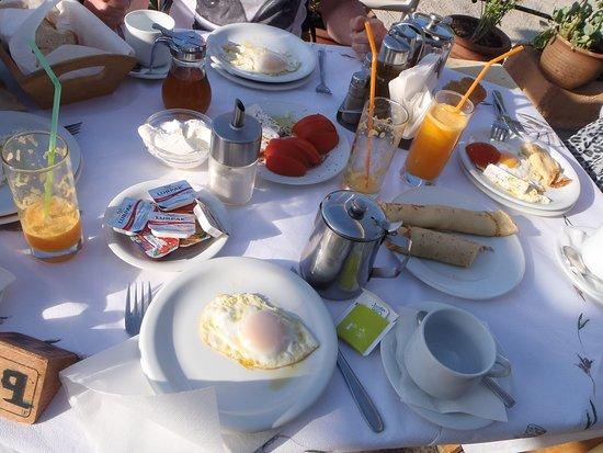 Rodakino, Hellas: Petit déjeuner