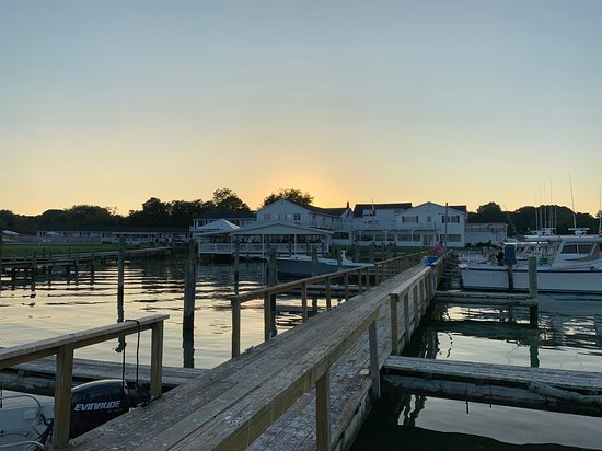 Tilghman, MD: Really nice grounds and sunset