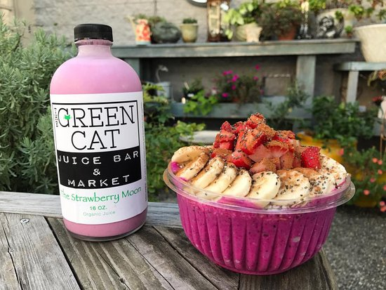 Pitaya also know as dragon fruit gives this smoothie bowl and cashew milk its pretty color.
