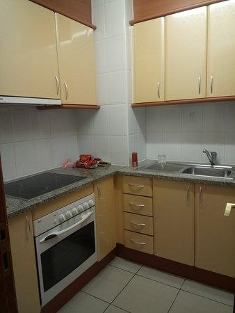 Aparthotel Costa Encantada: kitchen