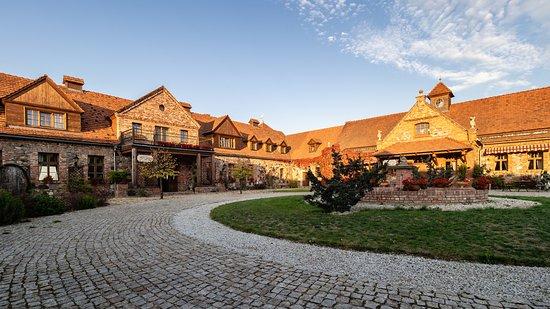 Kozuchow, Polônia: Żabi Dwór - dziedziniec