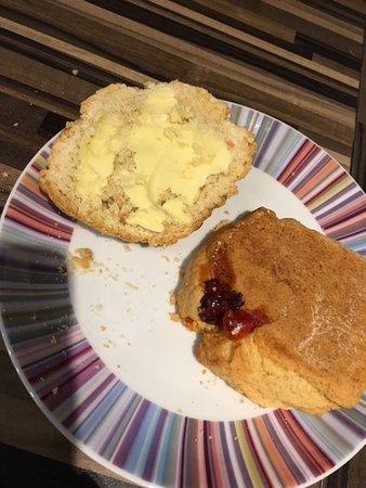Froghall, UK: Cherry scones