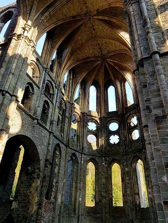 Villers-la-ville, Belgia: 20181017_211646_large.jpg