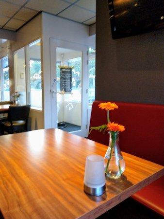 Oldeberkoop, Nederland: Hier zie je de ingang van het restaurant