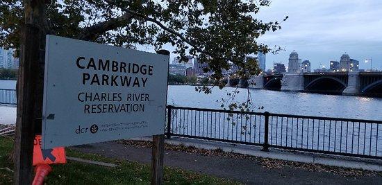 Charles River: 20181020_070039_large.jpg