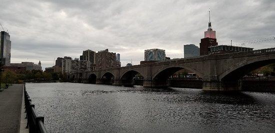 Charles River: 20181020_073200_large.jpg