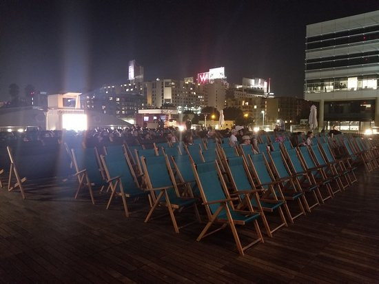 Rooftop Cinema Club Lounge Chairs Single Seaters And Double