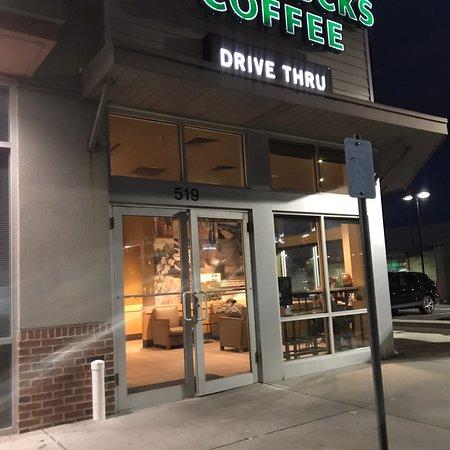 West Babylon, Estado de Nueva York: Starbucks