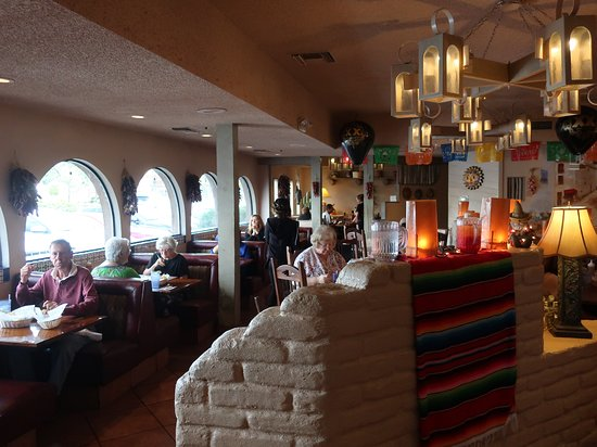 Papa Felipe's Mexican Restaurant: The ambiance is five stars