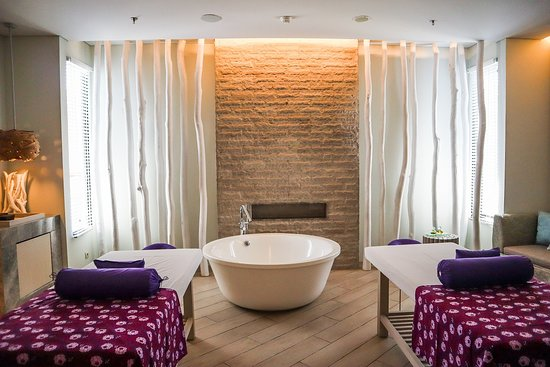 Labuan Bajo, Endonezya: AYANA Spa at AYANA Komodo Resort, Waecicu Beach - Treatment Room