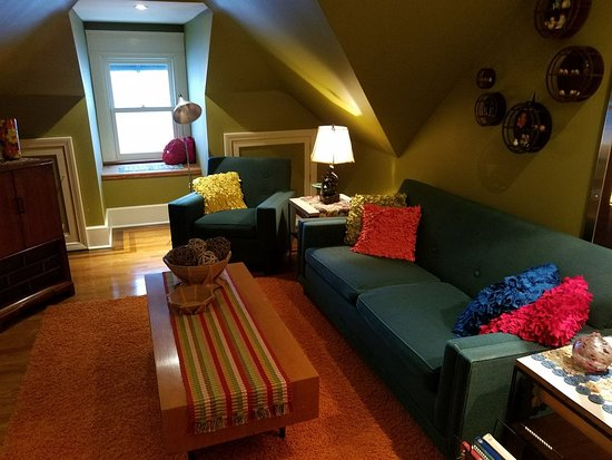 Franklin, PA: Suite Sitting Room