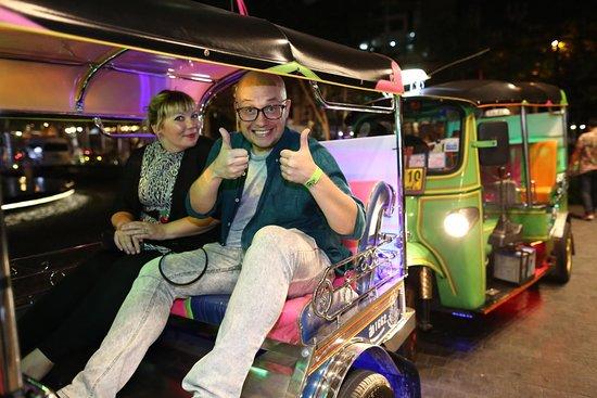 Sawasdee Tuk Tuk - Bangkok Tour Service