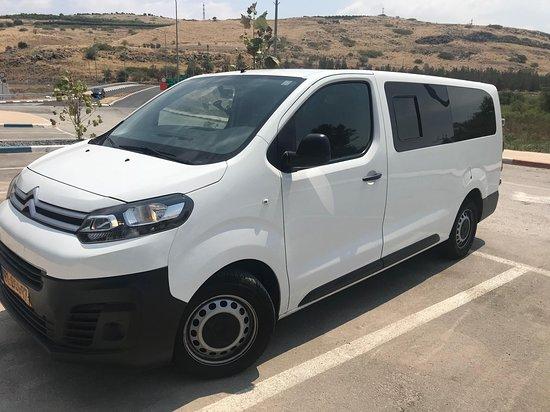 Netanya, Israël: Exemple de MiniVan (8 passagers)
