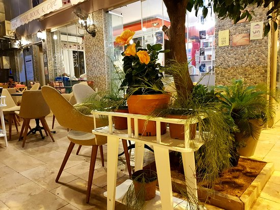 Eski Masal Book & Cafe: Our Flowers