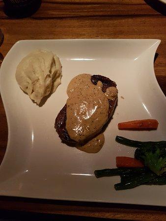 """Rosemary Restaurant & Bar: Ausgezeichnetes Steak """"Medium"""""""