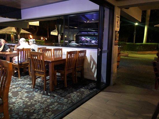Picnic Bay, Australia: Nice dining area