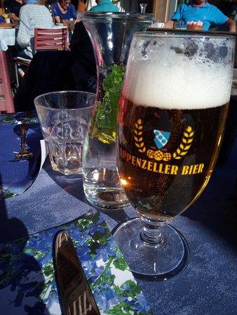 Cardada, Schweiz: * Birra bionda + acqua (con menta decorativa !..) *