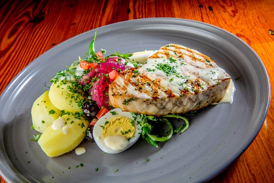 The Lobster Trap Fish Market and Restaurant : Grilled Swordfish