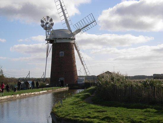 Horsey, UK: Big Norfolk skies 22/10/18