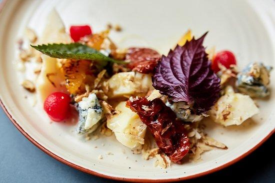 Закуски: Сырный сет