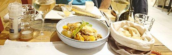 Le Cabanon des Pecheurs: lotte au butter nut et figues fraîches, succulent .... et bar entier à la plancha