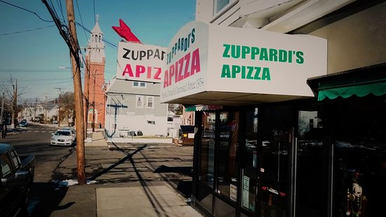 Zuppardi's Apizza 2 minutes drive to the east of West Haven orthodontist Shoreline Dental Care