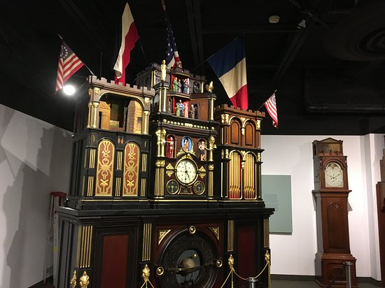 National Watch and Clock Museum: Clocks....