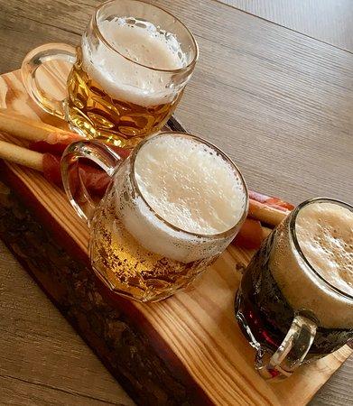 Barlinek, Polska: Serwujemy najlepsze piwo, z lokalnego (raptem 50 km od naszej restauracji!) browaru Witnica!