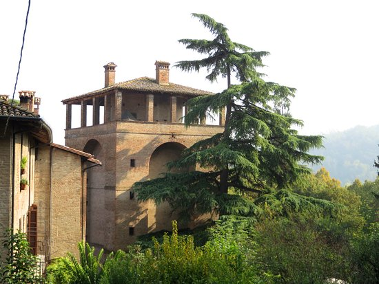 Torrione Farnese di Castell'Arquato