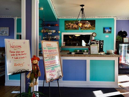 Wallace, Kanada: Great decor and menu.