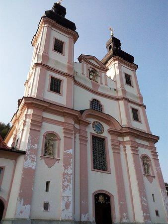 Wallfahrtskirche und Passionistenkloster Maria Schutz