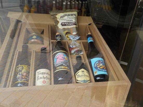 Commerce de bière à côté de la Vieille Bourse