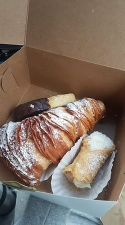 Simply Biscotti: Chocolate dipped biscotti, a lobster tail, and a cannoli. All 10/10