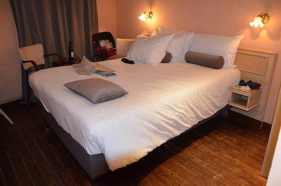 Hotel de la Poste - Relais Napoleon III: single