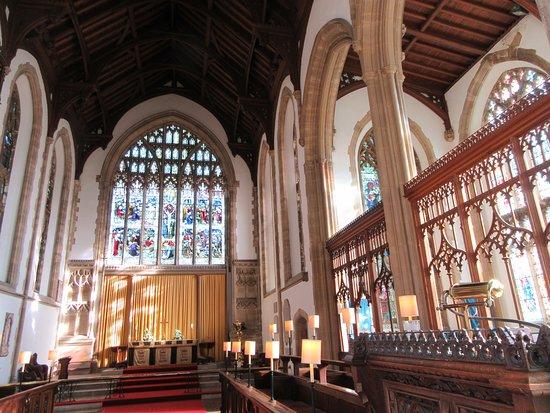 Cromer Parish Church (St Peter and St Paul): Bright well lit interior