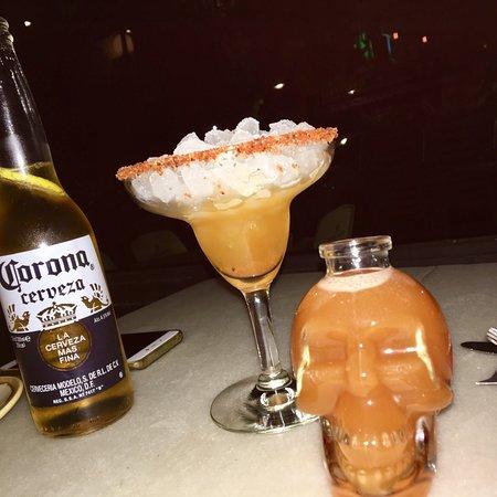 Coronita + Margarita de Tamarindo!  6€ el coctel!