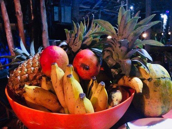 Chris and Olli Beach Hut: Tropical fruits