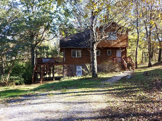 Royal oaks cabins lyndhurst va omd men tripadvisor for Royal oaks cabins love va