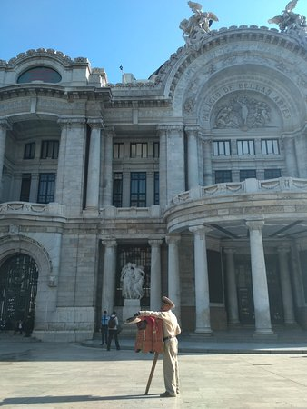 Los organilleros son una tradición en Ciudad de México.