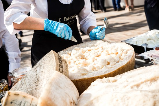 Rondissone, Италия: Buffet evento matrimonio - tavolo formaggi