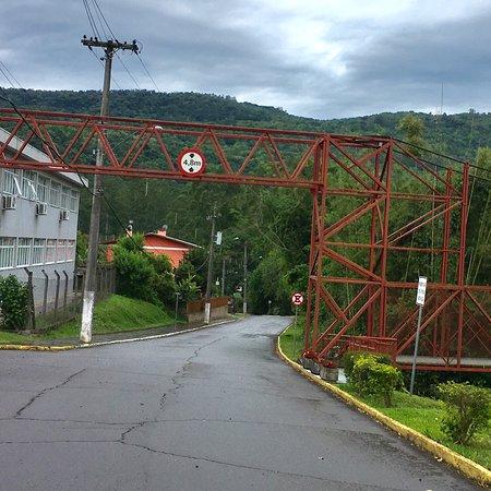 Ponte Metálica Sobre Arroio Marreca