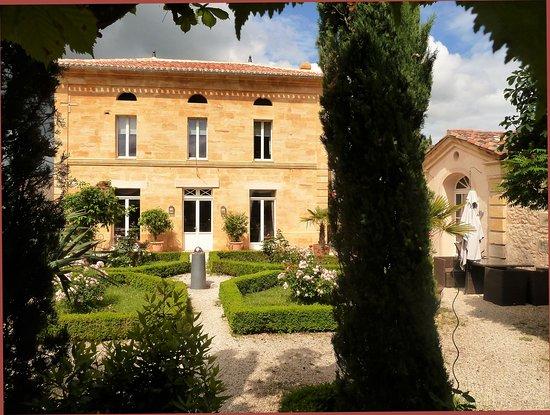 Belves-De-Castillon, Frankrike: Main Villa