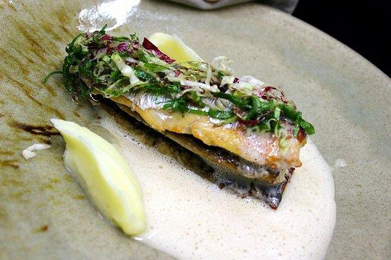 Pesca del dia, salsa de hinojo y pure de apiobola
