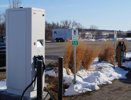 Morris, Minnesota: Fast charging station available for electric cars.
