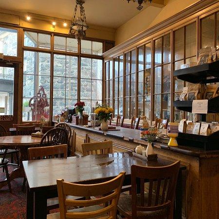 T H Roberts Coffee Shop : photo2.jpg