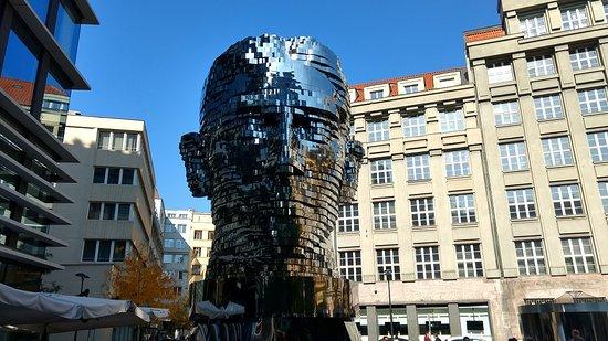 Statue of Franz Kafka: Seen from the street