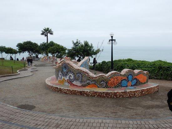 El Parque del Amor: o muro mosaico