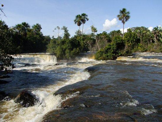 Tangara da Serra: Cachoeira Salto Maciel