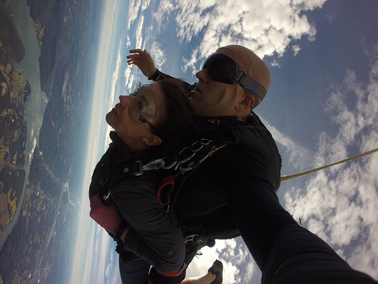 Chattanooga Skydiving Company: Free falling!